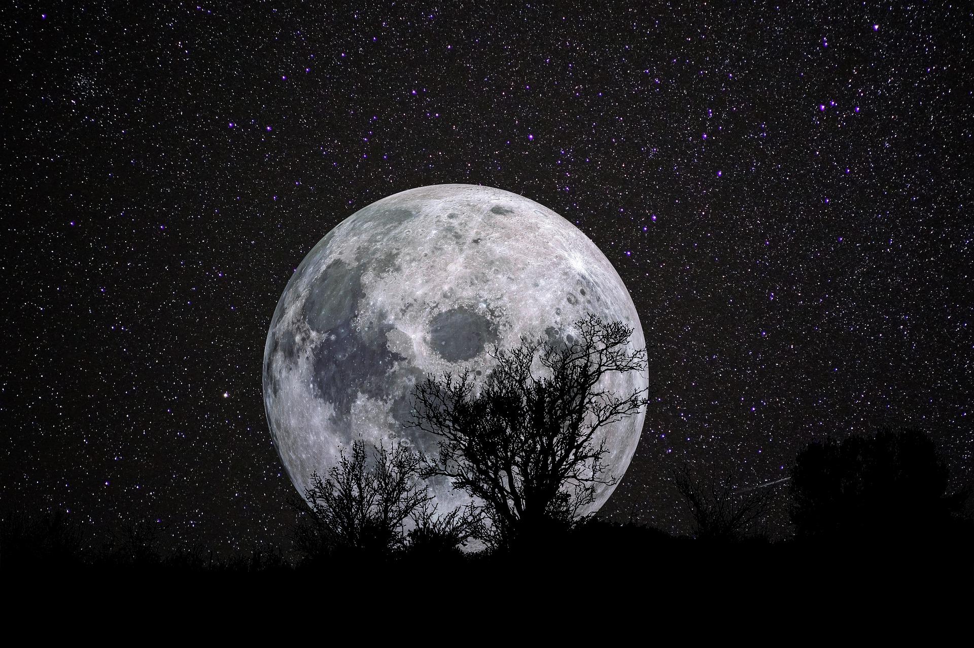 スタージョンムーンで停滞していた運気を動かす!8月の満月に願いを込めて運気アップ&願いが叶うおまじない