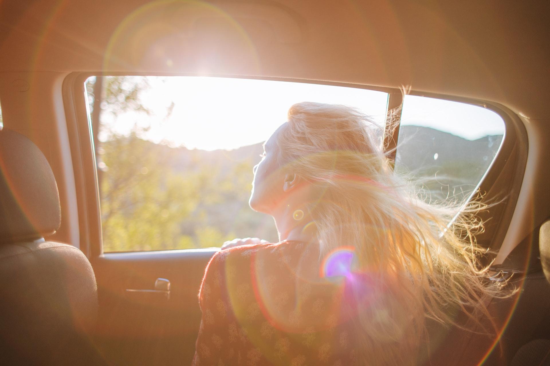 【髪の毛とスピリチュアルの関係|パサパサの髪の毛は運気を下げる?髪質や髪の毛の状態で判断するメッセージ